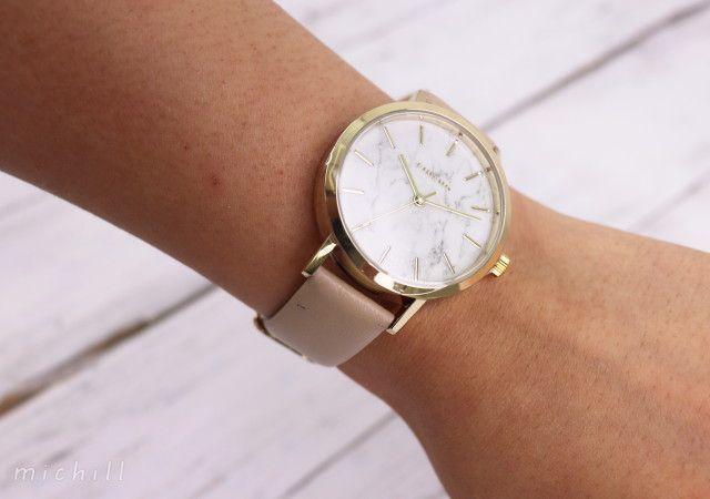 5c9d740c86 100均の腕時計というとチープなイメージもありますが、ダイソーの腕時計は上質なデザインで高見え力抜群!カジュアルシーンだけでなく、ビジネスシーンでも活躍します  ...