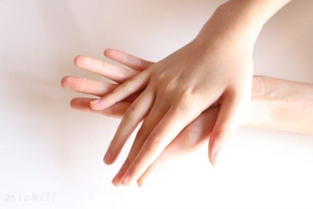 指 を 細く