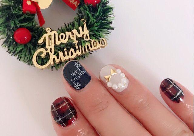 大人可愛い!タータンチェックのクリスマスネイル