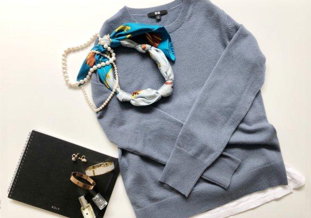 ユニクロ カシミヤクルーネックセーター くすみブルー 写真