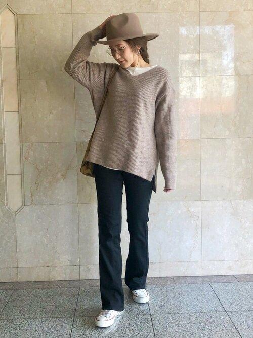 ユニクロ uniqlo レディース 女性 大人 ニット セーター トップス コーデ Vネックニット Vネック レイヤード