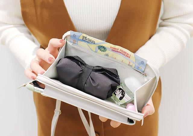 付録 InRed スマホが入る!ニューノーマル時代のお財布ポシェット  2月号 画像