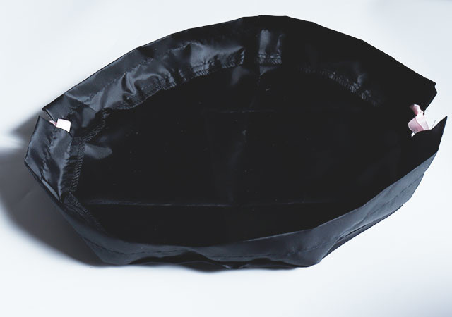 キャンドゥ ポーチ 巾着 黒 画像