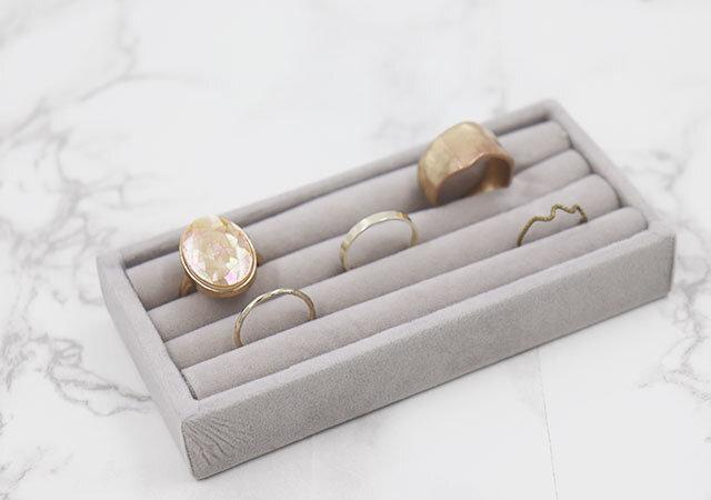 ダイソー アクセサリートレイ 新作 指輪トレイ 短いタイプ